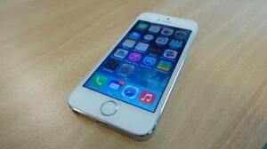 Silver Apple iPhone 5s With 16 GB Memory - Bell/Virgin
