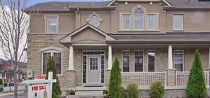 **Beautiful Townhouse in Richmond Hill for Sale!*