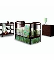 BRAND NEW IN BOX 3 PC NURSERY SET WITH FREE CRIB MATTRESS!!!!