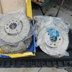 NEVER USED VECTRA C CAR PARTS BARGAIN PRICE (HAVING A CLEAR OUT)FULL SET OF DISCS+ ANTI ROLL LINKS