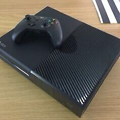 500 GB Xbox 1 with controller