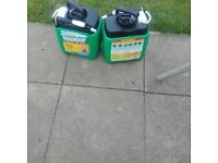 Weed Killer 2 X 5 Litres tubs. total 10 litres metric. R just over 2 gallons