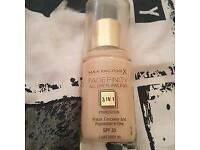 Max Factor Face Infinity Foundation