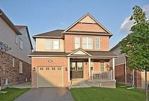 3 bed 3 bath in Alliston. Available July 1st. Fenced in Yard.