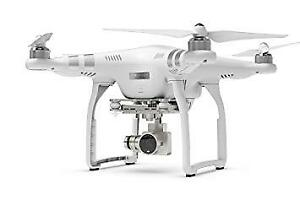 DJI Phantom 3 Advanced - Mint Condition with Case & 3 Batteries