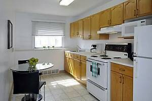 BRIGHT GROUND FLOOR 2 BED NEAR MACDONALD BRIDGE! AVAILABLE NOW!