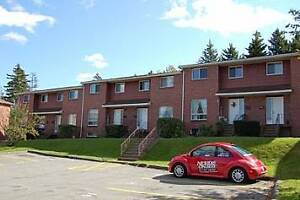 Townhouse in Beautiful location with great Perks! $1200/3 bed