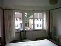 4 poster bedroom in Surbiton - Kingston house