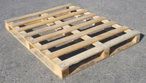 WOOD PALLETS   LOOKING FOR FREE