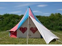 GLAMPING BELLEPAD X4 Day Womad 2018 Tickets x2 Adult + 1 Child Ticket