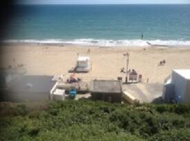 BEACH SIDE FLAT SHARE WITH OTHER GIRL - FULLY FURNISHED -SOUTHBORNE - DOUBLE ROOM WITH ENSUITE