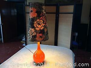 Vintage Mid. Century Table Lamp Working
