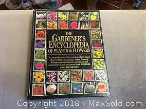 The Gardeners Encyclopedia Of Plants And Flowers