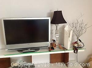 TV and Decor - A