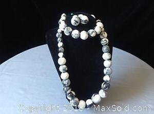 Black and White Wooden Bead Necklace Bracelet Ear
