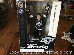 NEW 12inch Hockey Figure Wayne Gretzky 2004