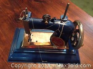 Vintage Toy Sewing Machine A