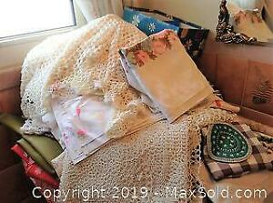 5 Pieces Of Wall Decor And Linens - A
