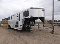 2016 Sundowner Horizon 6906 3 Horse Living Quarter ON SALE!