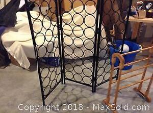 Quilt Rack and Screen. B