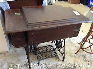 Vintage Singer Sewing Machine C