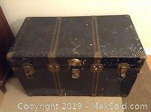 Vintage Steamer Trunk With Tray C