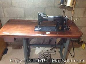Table Singer Sewing Machines Table   Buy Or Sell Tables In ...