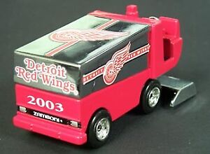 New! Zamboni NHL Detroit Red Wings 2003 Fleer Collectible