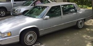 1991 Cadillac Fleetwood grey Sedan