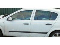 Vauxhall Astra MK 5 Passengers rear door drop glass 2007