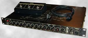 Yamaha PG-1 Guitar Pre-amp/pré amplificateur de guitare.