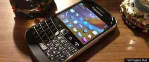 Blackberry Bold 9900 Rogers/Fido/Chatr Deal of a LIFE TIME