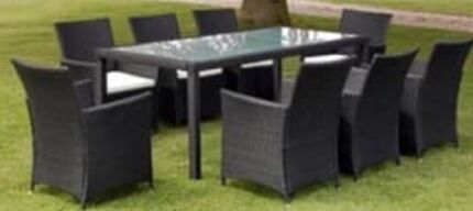 Wicker Outdoor dining setting with 6 chairs