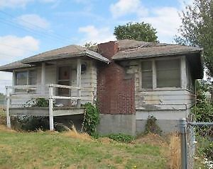 Wanted: Looking for houses on double lots, tear down houses, rou