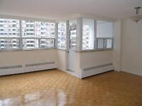 Yorkville, Unbeatable Location Near All Subway Lines, 1 BD 750SQ
