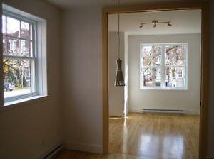 PLATEAU, Condo 7 1/2 sur 2 étages, 3 chambres, Métro Laurier !