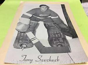 1955 Terry Sawchuck Bee Hive Photo