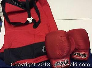 Boxing Set Gloves and Punching Bag A