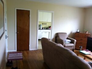 SEPTEMBER 1 - SPACIOUS 2 BEDROOM IN SOUTH END