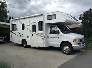 Motor Home 24' 2003 Ford Majestic