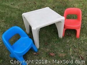 Kids Table and Chair Set Indoor Outdoor A