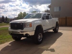 2008 GMC Sierra 2500HD White Pickup Truck