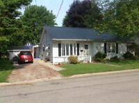 4 bed Newly Renovated Home. Just a Short Walk to the Beach