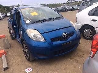 2009 Toyota Yaris YR Hatch wrecking for spare parts