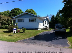 Amherst - Lovely 3-Bdrm Bungalow