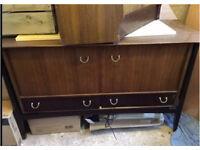 Vintage wooden unit/dresser