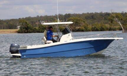 23ft Oceania C/Console powered by Twin Yamaha 70's 4 strokes