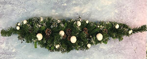 CHRISTMAS DECORATION SWAGS 4FT FROSTED PINE/BAUBLES REAL PINE CONES - PACK OF 4