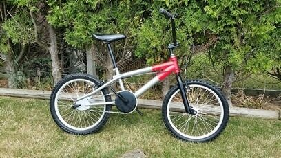 """BMX Bike For Salein Melksham, WiltshireGumtree - BMX Bike For Sale. Boys/Girls Bmx Bike. 20"""" wheels. All new brakes and cables. Newly painted. Excellent condition and working order. Call Dave on 07974116017. Melksham. Wilts"""