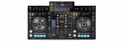 Pioneer XDJ-RX controller & Pioneer HDJ-1500 headphones Ormond Glen Eira Area Preview